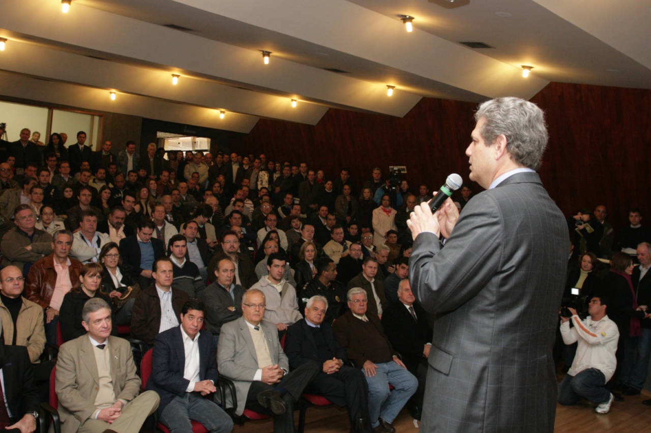 Silvio Barros