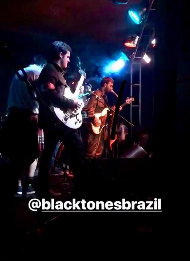 Black Tones no Palco