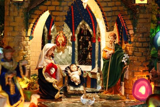Presépio com luz, som e movimento faz parte do Natal no Castelo dos Arautos do Evangelho em Maringá - Maringá - Maringá Post