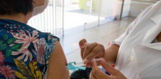 Todos os grupos de risco da campanha de vacinação 2020 podem se vacinar contra a gripe enquanto durarem os estoques