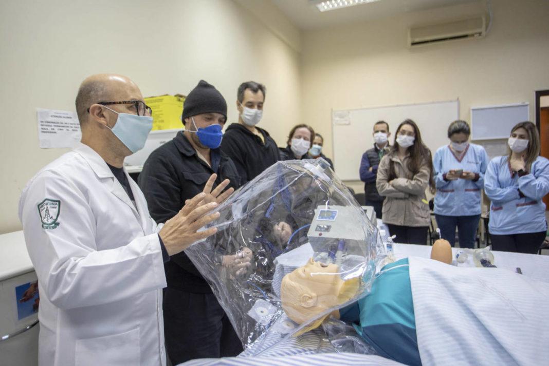 Hospital universitário desenvolve dois protótipos de respiradores
