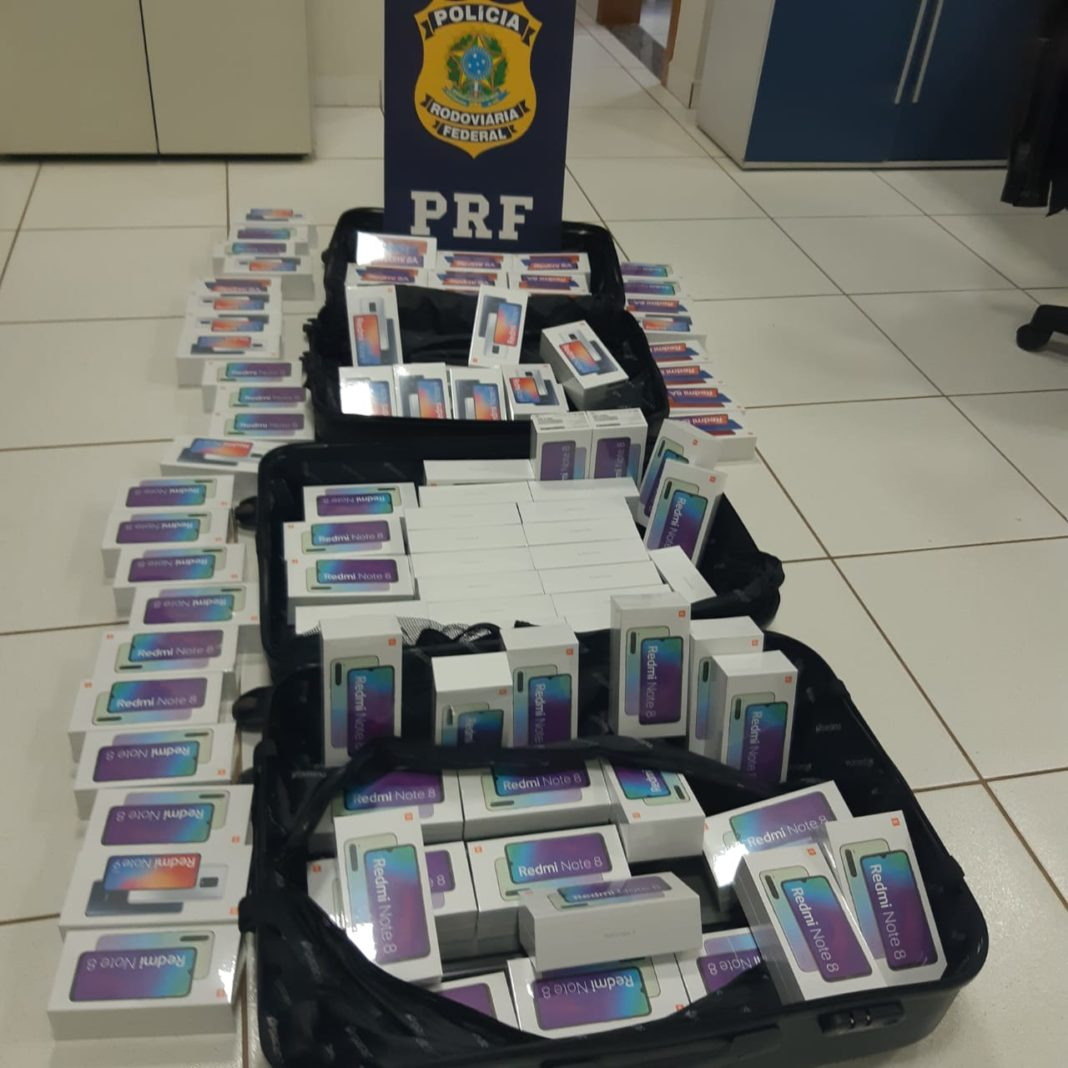 Todos os celulares foram apreendidos pela Receita Federal