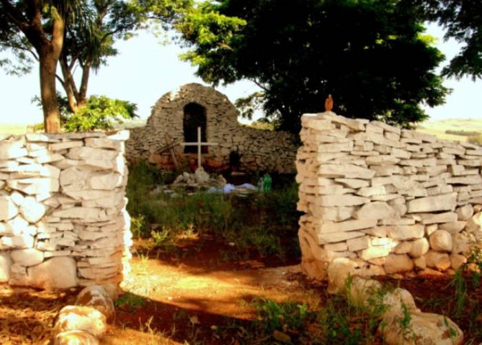 Cemitério dos Caboclos, na PR-323