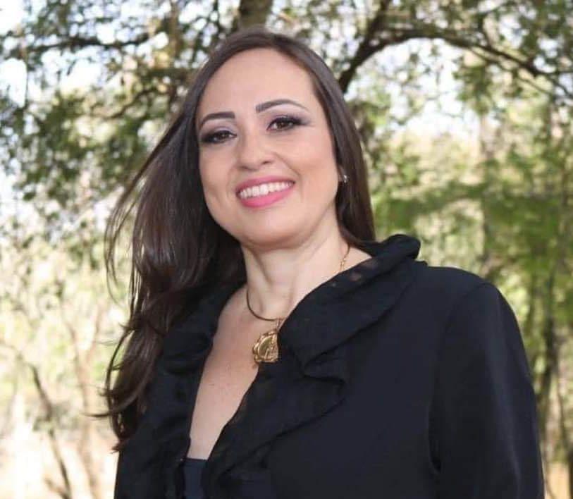 Clícia Ruzzon